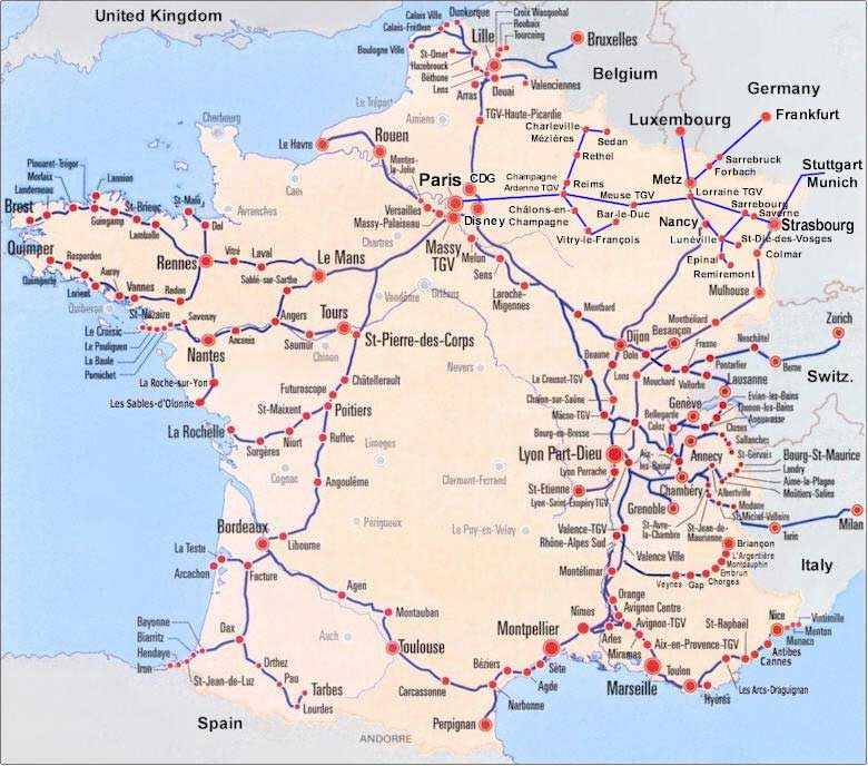 Map of the country of France with the most important tourist tracks marekd.